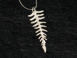 Art Clay Silver Fetuse Leaf