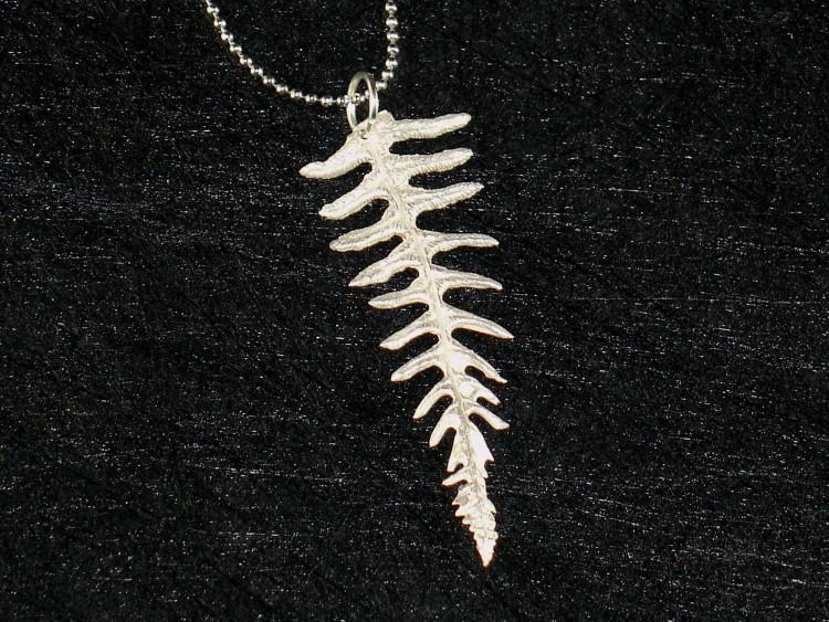 Art Clay Silver Fetuse Leaf